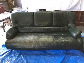 3人掛けソファーのキズ修理と染め直し