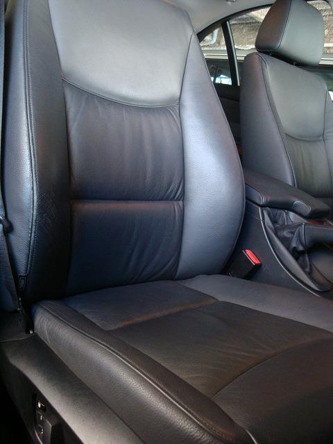 BMW320i・レザーシート・色落ち