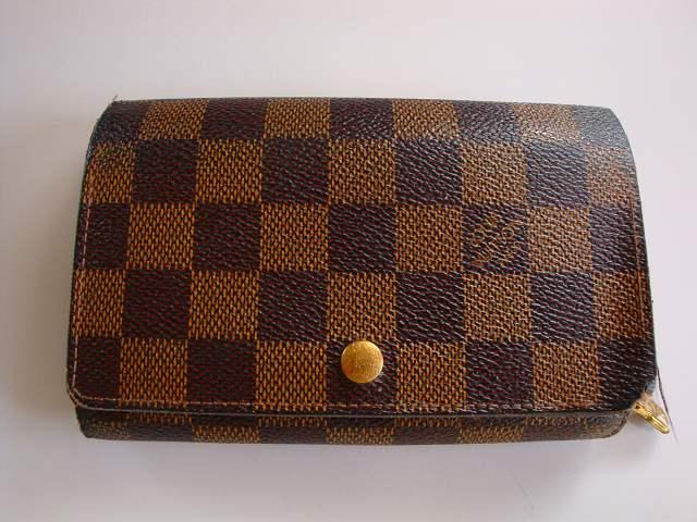 ルイ・ヴィトンダミエの財布の糸ほつれ補修